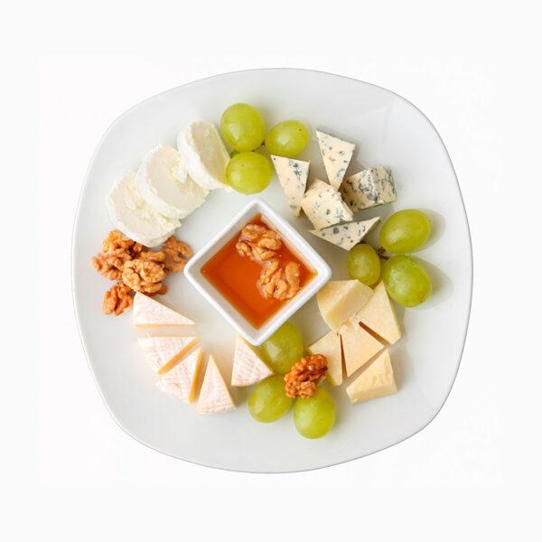 козий сыр с медом